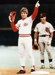 Reds induct Rose into their Hall of Fame